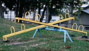 Wippe auf einem Spielplatz