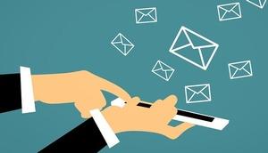 Handy mit Spam-Nachrichten