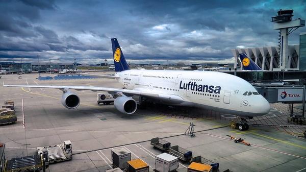 Airbus von Lufthansa, © Bild von Pit Karges auf Pixabay