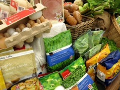 Eier und Gemüsepackungen