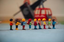 Playmobil Figuren in einer Reihe