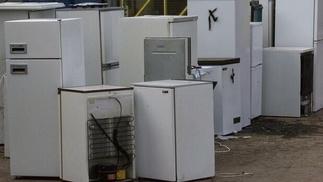 Sammlung alter Kühlgeräte